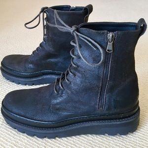Vince Italy waterproof boots brand new men's 8.5